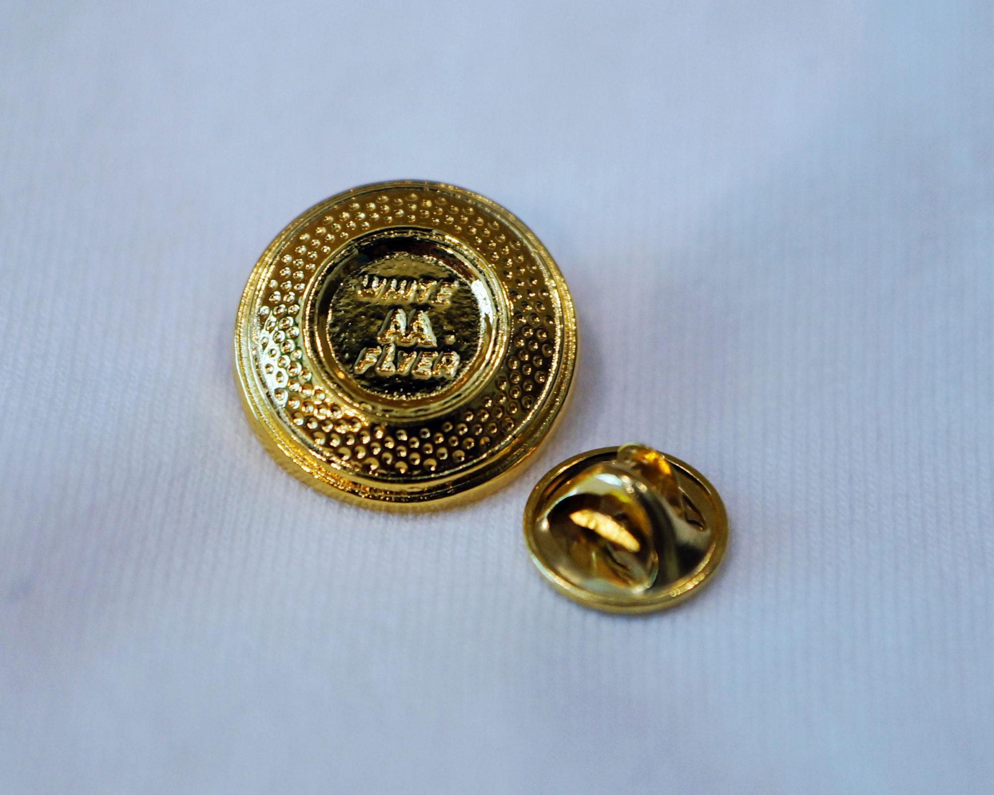 ec180b2d3cb Gold Target Pin   White Flyer American Trap, Skeet, International ...